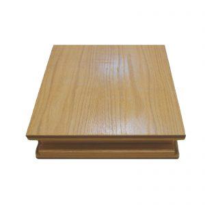 Plano inclinado em madeira envernizada com dobradiça em metal inoxidável, com três posições de inclinação. Estrutura muito utilizada para posturas do método de Reeducação Postural Global (RPG). Fisioterapia. Terapia Manual